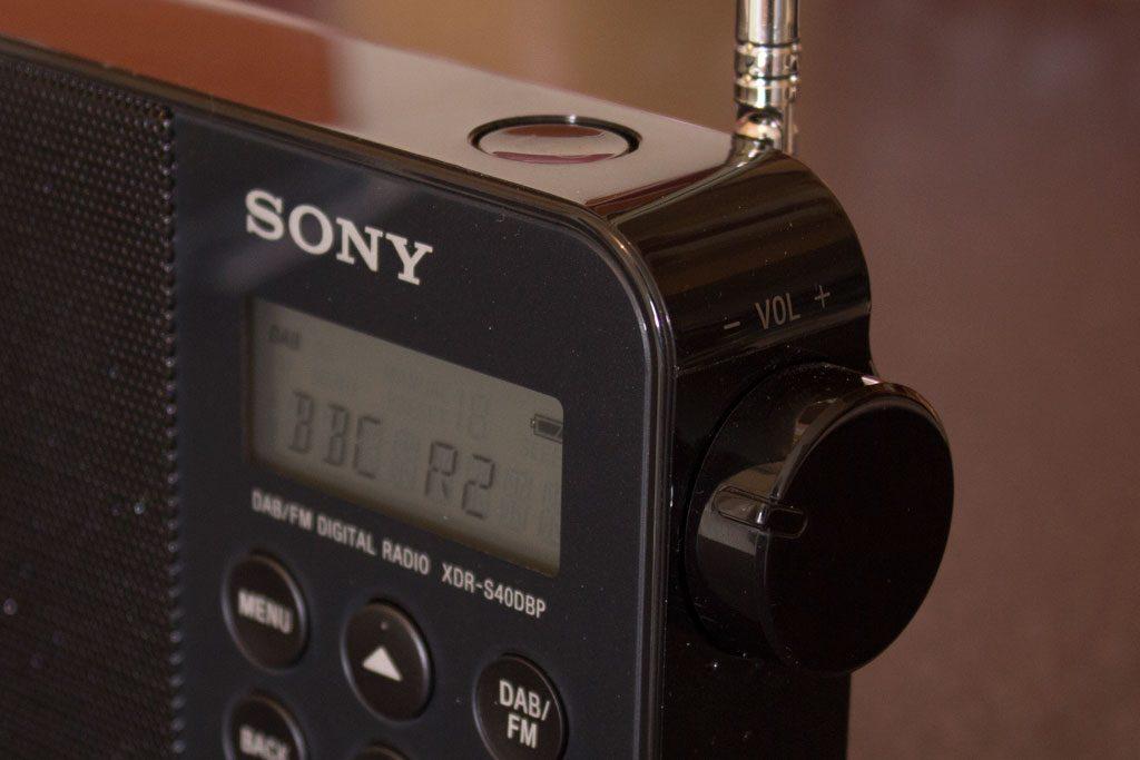 Sony XDR-S40DBP Controls
