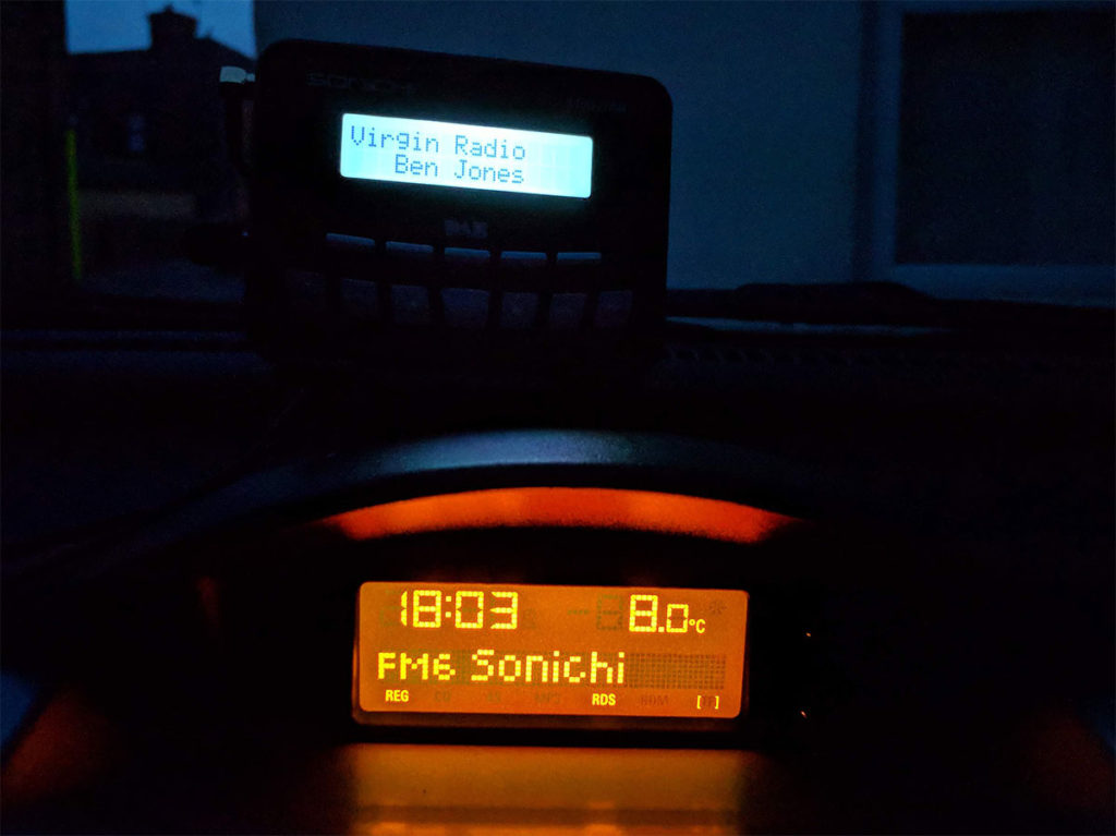 The Sonichi S100-DAB is awkward to use at night