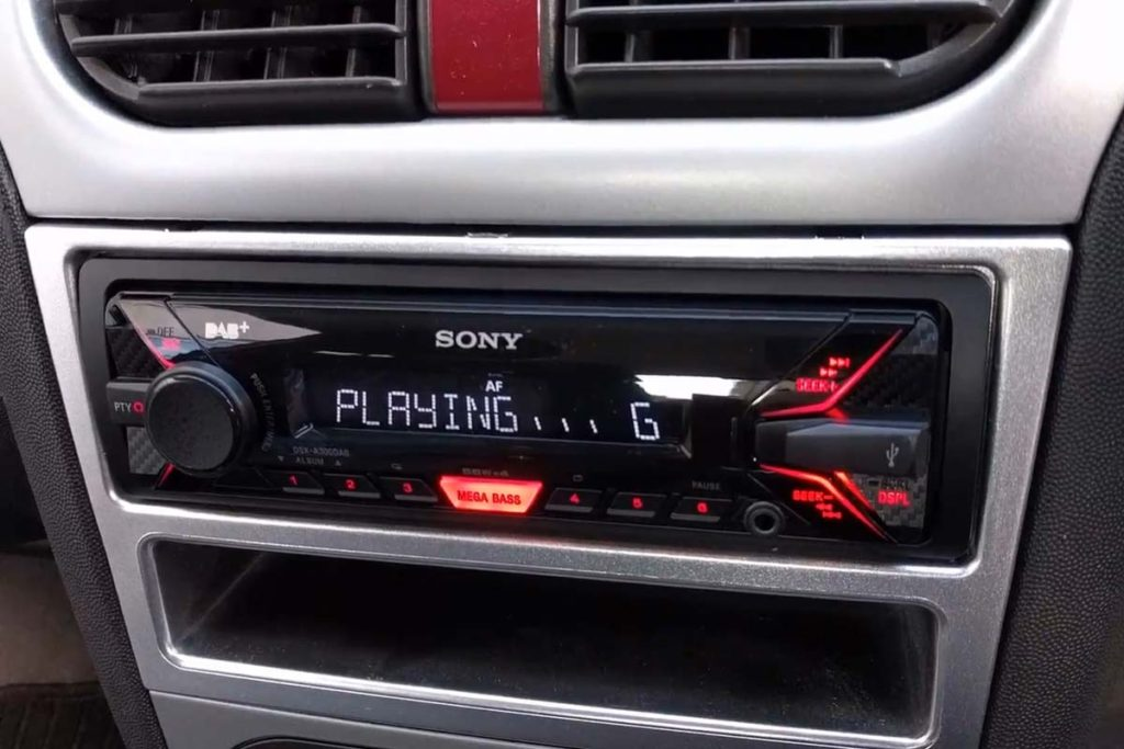Finished installation of a Sony DAB stereo