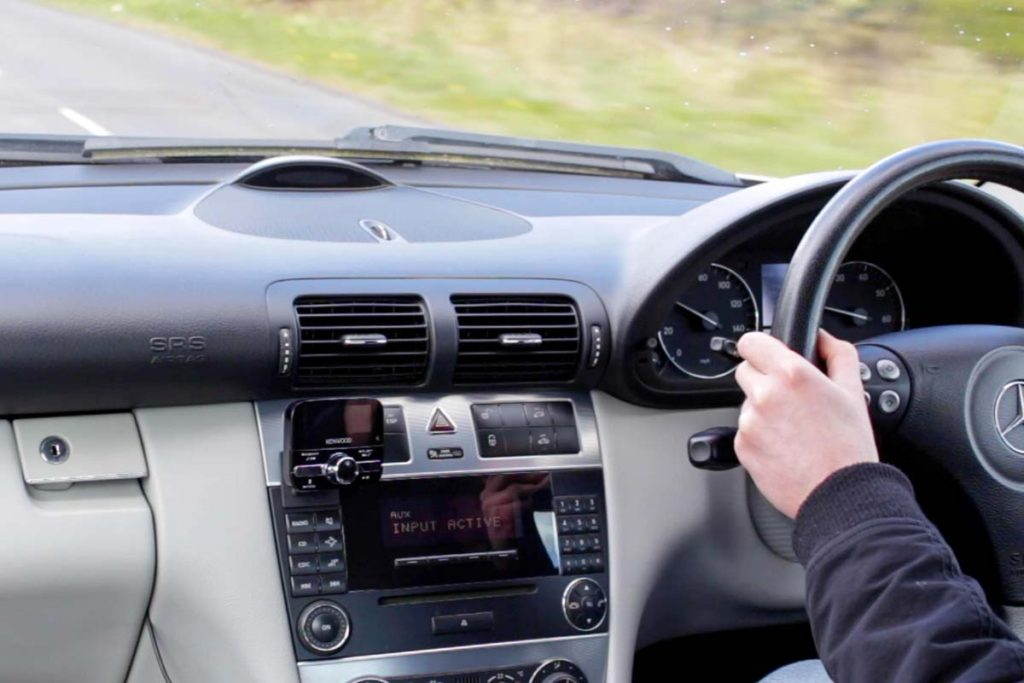 Driving with the Installing the Kenwood KTC-500DAB