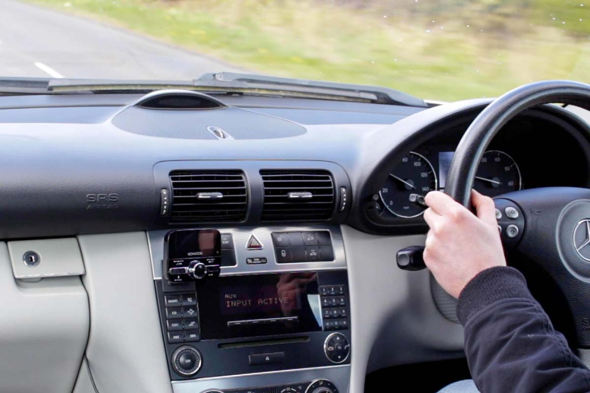 Driving with the Kenwood KTC-500DAB
