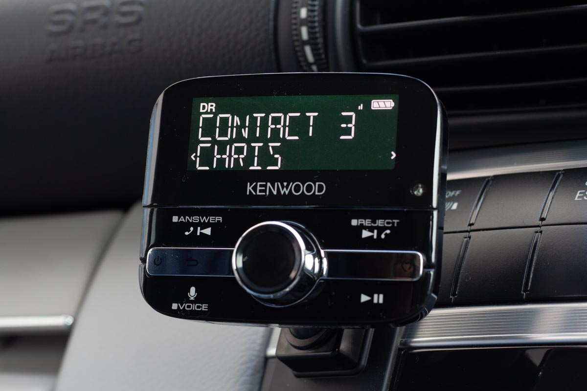 Making a hands-free call with Bluetooth