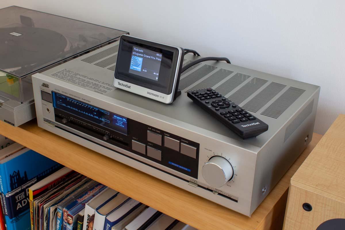 TechniSat DIGITRADIO 10 IR on a hi-fi amplifier